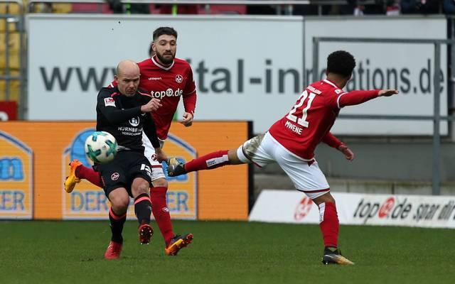 Kaiserslautern holt durch ein Eigentor gegen Nürnberg einen Punkt