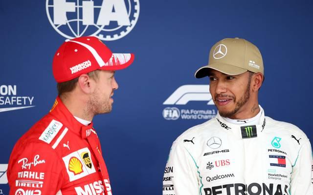 Lewis Hamilton (r.) und Sebastian Vettel haben sich in diesem Jahr über weite Strecken einen packenden WM-Kampf geliefert
