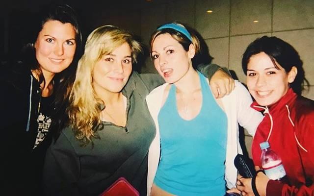 Die junge Becky Lynch (2.v.r.) mit den Wrestler-Kolleginnen Nikita (Katie Lea), Natalya und Sarah Stock (v.l.)