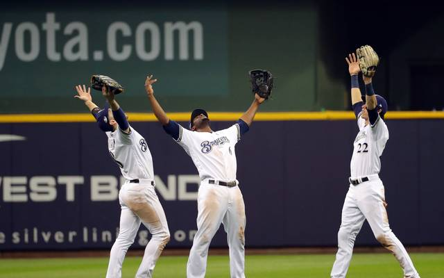 Die Milwaukee Brewers wahren ihre Final-Chancen