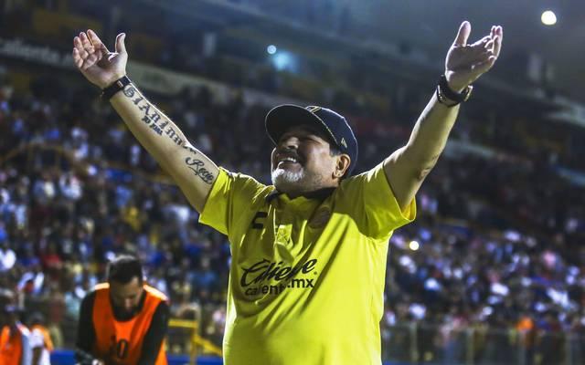 Diego Maradona lässt sich für den Finaleinzug mit Dorados feiern
