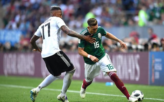 Hector Herrera (r.) gewann mit Mexiko bei der WM zum Auftakt gegen Deutschland