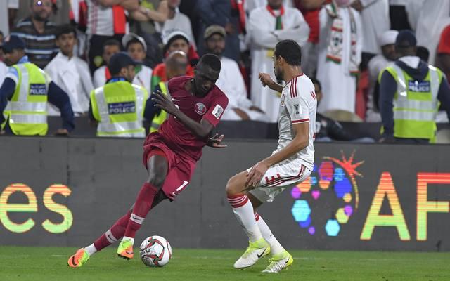 Asien-Cup: Gastgeber VAE legt Protest gegen Finalist Katar ein, Almoez Ali (links) ist Katars Top-Torschütze beim Asien-Cup