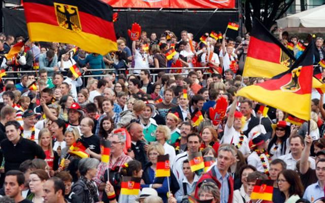 Die deutschen Fans fiebern bereits der WM in Russland entgegen