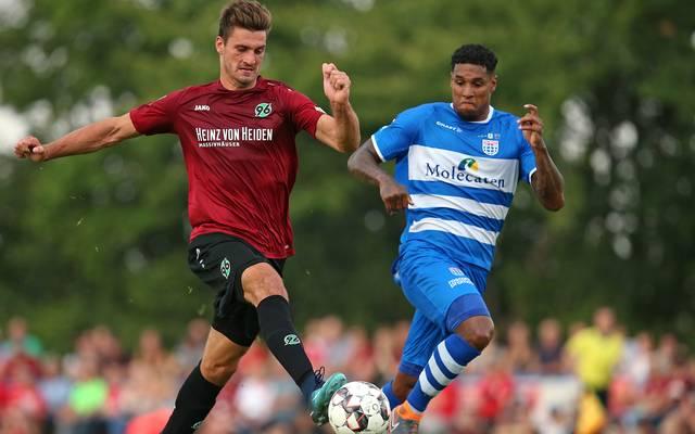 Hendrik Weydandt (l.) spielte vor vier Jahren noch in der Kreisliga