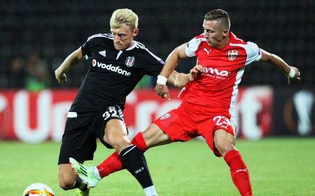 Andreas Beck (l.) spielt seit 2015 für Besiktas