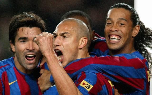 Henrik Larsson (M.) glänzte bei Barca an der Seite von Ronaldinho (r.), Deco (l.) und Co.