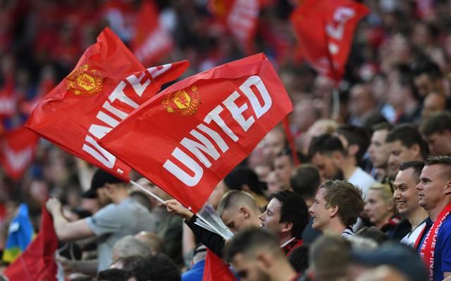 Das Old Trafford in England fasst mehr als 75.000 Fans