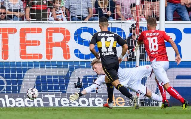 Mainz-Keeper Florian Müller im Spiel gegen den VfB Stuttgart