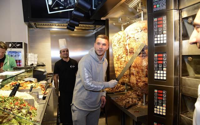 Die Gladbach-Fans antworten auf Lukas Podolskis Provokationen