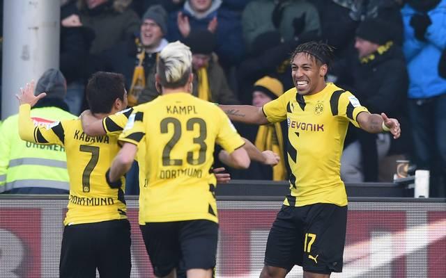 Pierre Emerick Aubameyang bejubelt sein Tor für Borussia Dortmund gegen den SC Freiburg