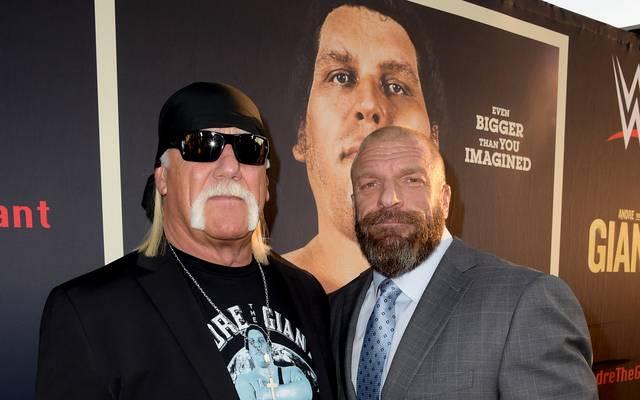 Hulk Hogan (l.) traf im März bei einer Filmpremiere auf WWE-Vostand Triple H