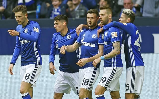 Daniel Caligiuri (M.) und Guido Burgstaller (2.v.r.) sorgten für Schalkes Sieg gegen Freiburg
