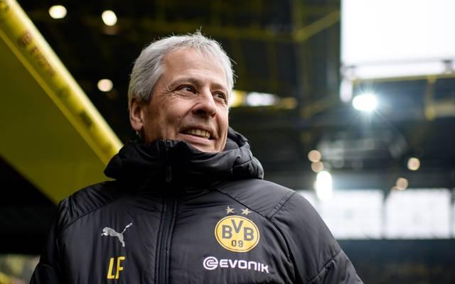 Lucien Favre führt mit Borussia Dortmund die Bundesliga-Tabelle an