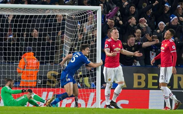 Leicester-Verteidiger Harry Maguire (2.v.r.) schockt Manchester United in letzter Minute