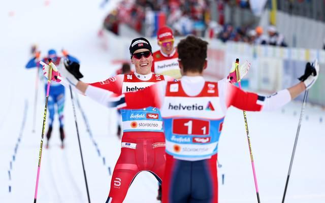 Johannes Hösflot Kläbo und Emil Iversen durften sich über Gold im Teamsprint freuen