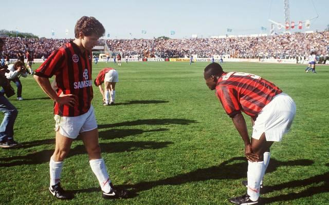 Andreas Möller (l.) und Anthony Yeboah trauern der verpassten Meisterschaft 1992 hinterher