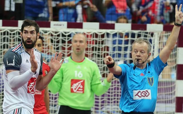 Handball Blaue Karte.Blaue Karte Soll Sperre Im Handball Nach Sich Führen