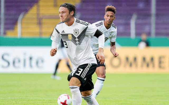Nico Schulz (v.) und Thilo Kehrer gehören zu den Neulingen im DFB-Team