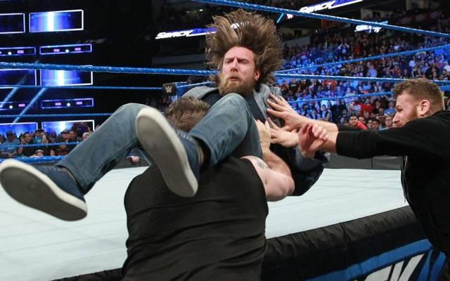 Daniel Bryan musste bei WWE SmackDown Prügel einstecken