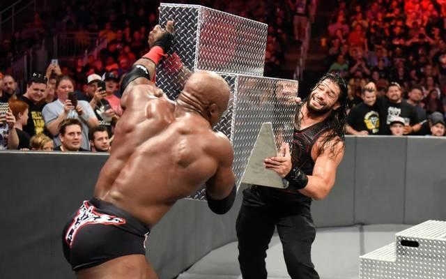 Bobby Lashley (l.) und Roman Reigns trafen bei WWE Extreme Rules 2018 aufeinander