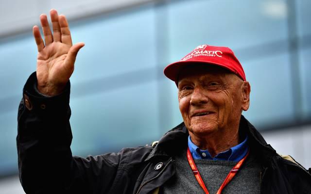 Niki Lauda befindet sich nach seiner Lungen-OP auf dem Weg der Besserung