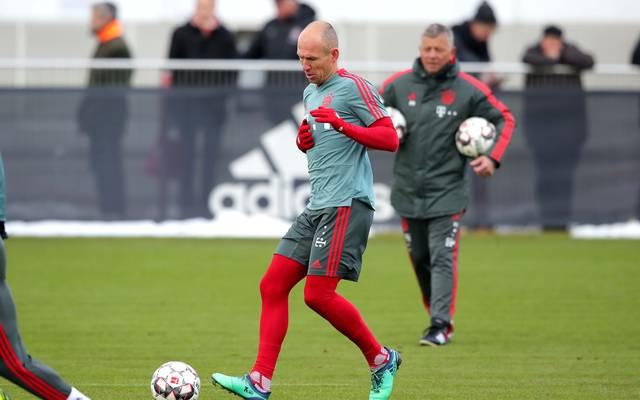FC Bayern: Arjen Robben und Jerome Boateng brechen Training ab , Der FC Bayern muss weiter um den Einsatz von Arjen Robben bangen