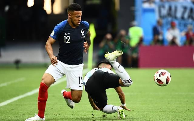Corentin Tolisso (l.) vom FC Bayern trifft mit Frankreich im WM-Viertelfinale auf Uruguay