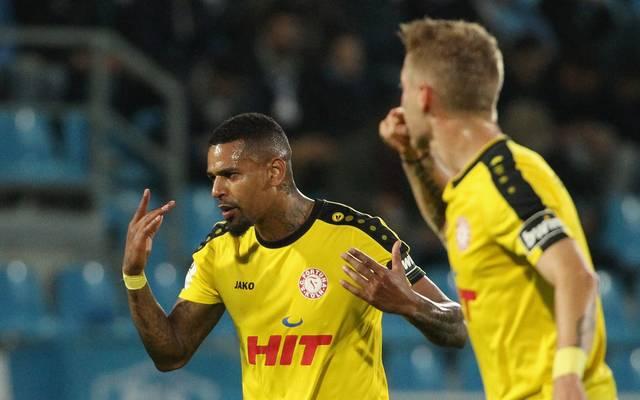Daniel Keita-Ruel (l.) brachte Fortuna Köln in Führung