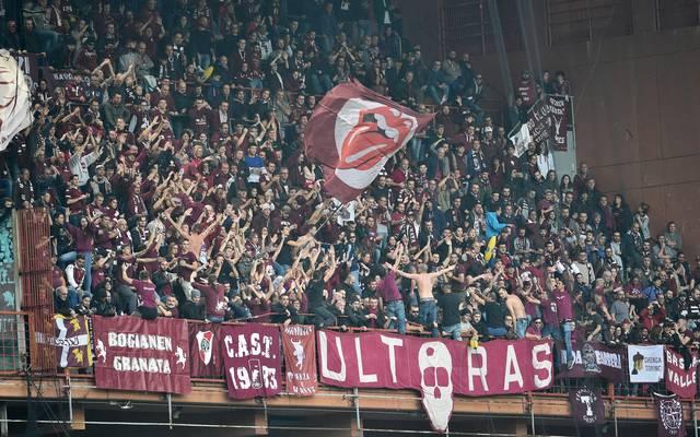 Hooligans des FC Turin lieferten sich eine Auseinandersetzung