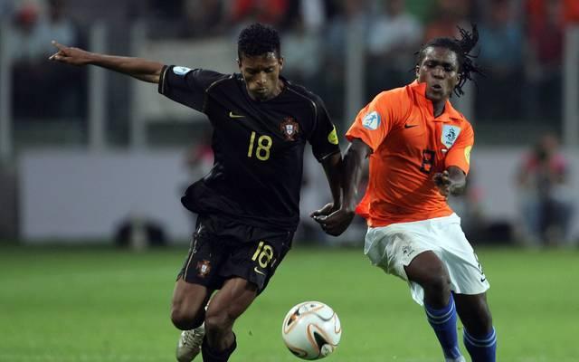 Royston Drenthe (r., gegen Portugals Nani) führte die Niederlande 2007 zum Titel bei der U21-EM