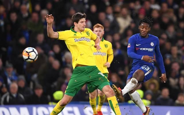 Der beim BVB gehandelte Michy Batshuayi (r.) brachte den FC Chelsea in Führung