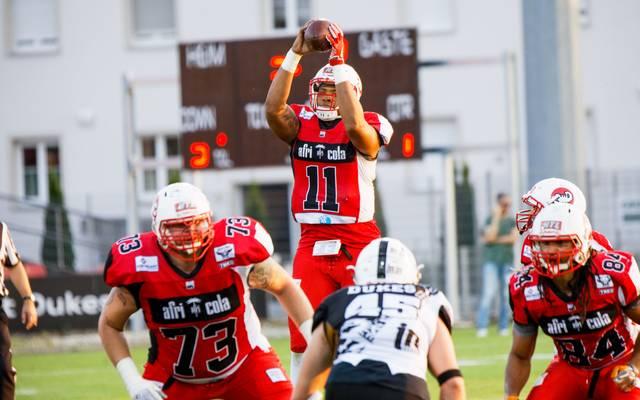 Michael Eubank (M.) und die Stuttgart Scorpions hoffen weiter auf Rang sieben im Süden