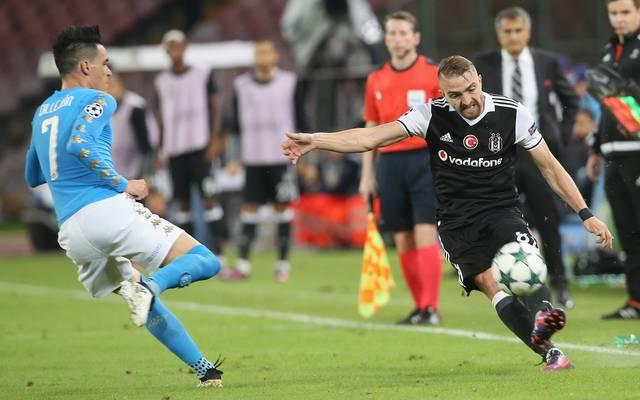 Caner Erkin (r.) spielt mit Besiktas Istanbul in der Champions League