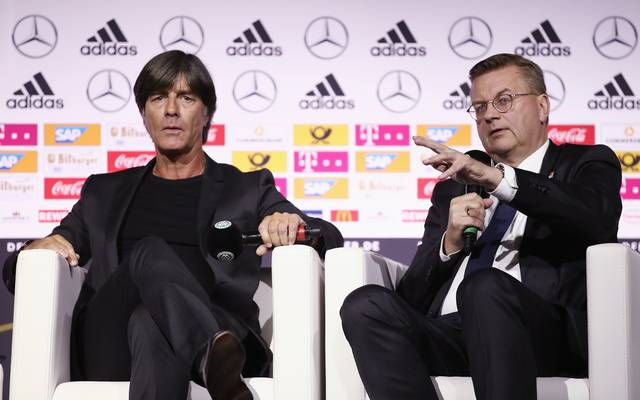 Nationalmannschaft: Reinhard Grindel erhöht Druck auf Joachim Löw