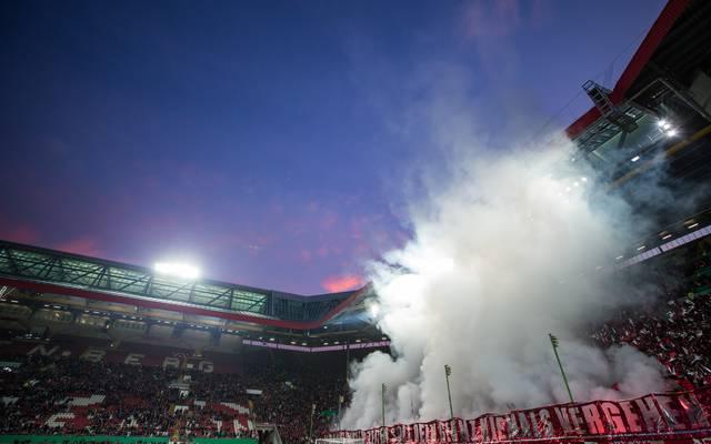 Die Bundespolizei führt eine Razzia bei mutmaßlichen Kaiserslautern-Ultras durch