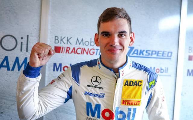 Luca Stolz freut sich über die Pole-Position am Nürburgring