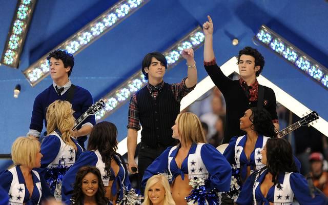 Kevin Jonas (r.) war Mitglied der 2013 aufgelösten Band Jonas Brothers