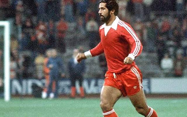 In der Spielzeit 1977/78 fehlt Gerd Müller die Fitness seiner besten Jahre, Beckenbauer wandert bereits vor der Saison zu Cosmos New York ab