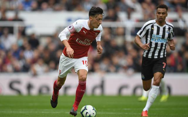 Mesut Özil traf beim 2:1 in Newcastle - die Premier League Highlights ab 19.30 Uhr im TV