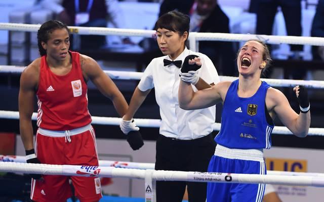 Ornella Wahner (r.) setzt sich im indischen Neu-Delhi gegen die Amateur-Elite durch