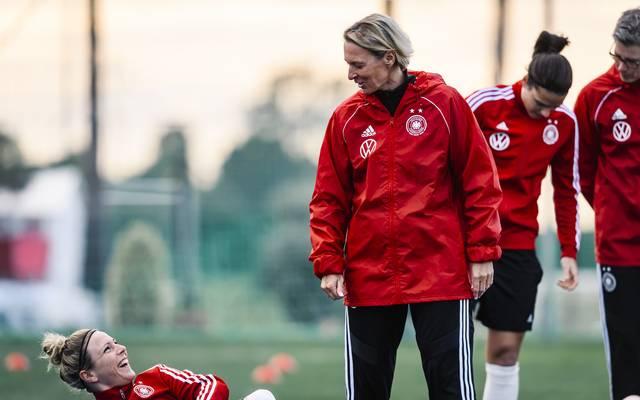 Martina Voss-Tecklenburg steht vor ihrem Debüt als DFB-Trainerin