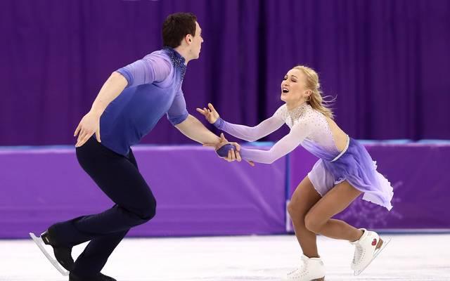 Aljona Savchenko und Bruno Massot gehen als Führende in das Kürfinale