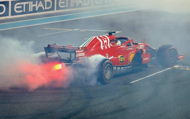Formel 1: Rennveranstalter kritisieren Formel-1-Besitzer, Sebastian Vettel gibt in seinem Ferrari mächtig Gas