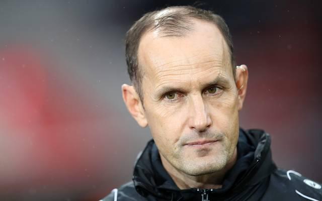 Bayer Leverkusens Trainer Heiko Herrlich hofft gegen Borussia Mönchengladbach auf den Einsatz von Karim Bellarabi