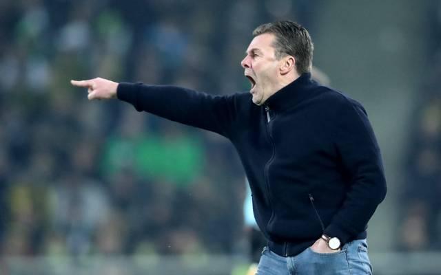Dieter Hecking wird auch in der kommenden Saison Mönchengladbach trainieren