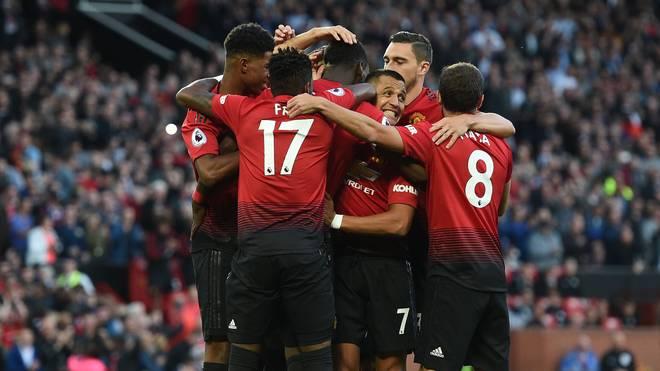 Manchester United feiert ausgelassen den frühen Führungstreffer von Paul Pogba