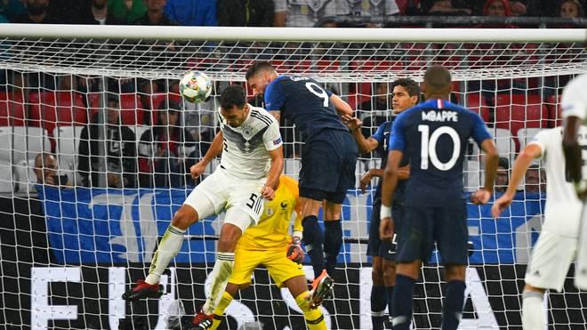 Mats Hummels (l.) war beim Duell Deutschland gegen Frankreich der beste DFB-Akteur
