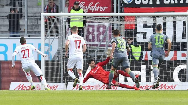 Anthony Modeste (l.) brachte den 1. FC Köln in Führung