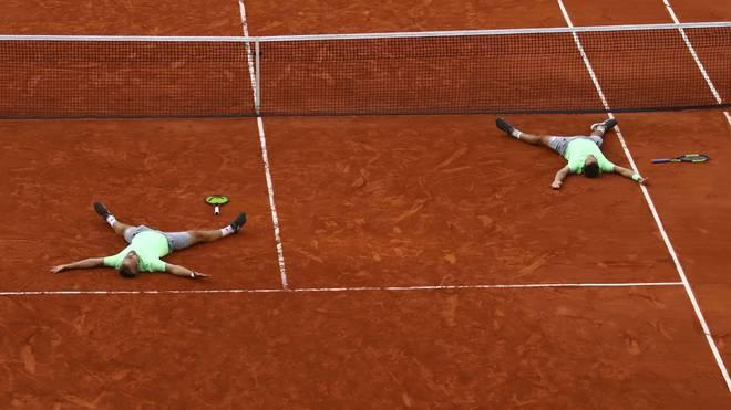 Kevin Krawietz (l.) und Andreas Mies konnten ihren Triumph gar nicht fassen